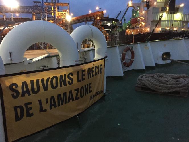 Dans le port de Santana, le 23 janvier, sur le bateau «Esperanza», Greenpeace lance sa nouvelle campagne de défense des coraux au large de l'Amazonie : à peine découvert, le massif est menacé par des projets pétroliers.