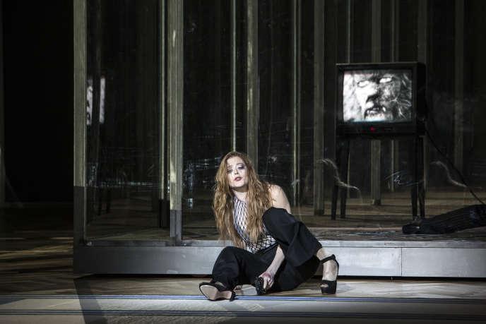Barbara Hannigan dans« La Voix humaine», de Poulenc, selon Krzysztof Warlikowski, en 2015, à l'Opéra Garnier.