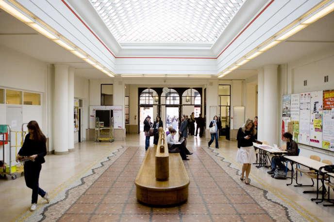 Le hall de Sciences Po Paris.