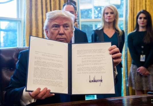 Le projet d'oléoduc Keystone XL, relancé le 24 janvier par Donald Trump, doit relier les champs de sables bitumineux de la province canadienne de l'Alberta aux raffineries américaines du golfe du Mexique.