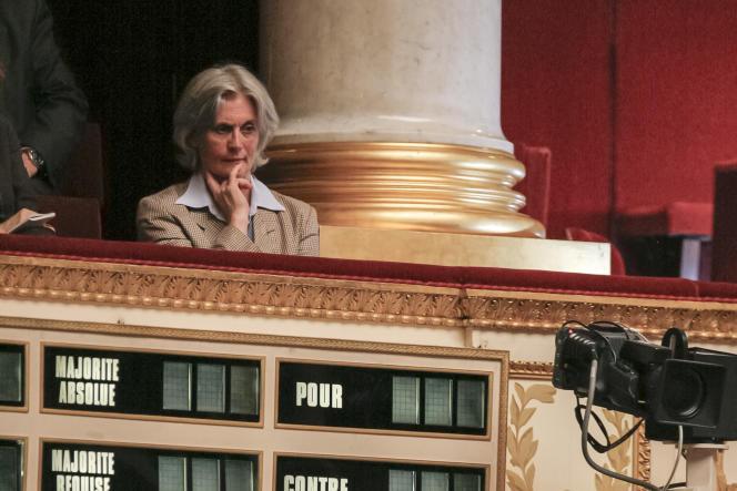 Penelope Fillon dans les tribunes publiques de l'Assemblée nationale le 3 juillet 2007, lors du discours de politique générale de François Fillon, alors premier ministre.