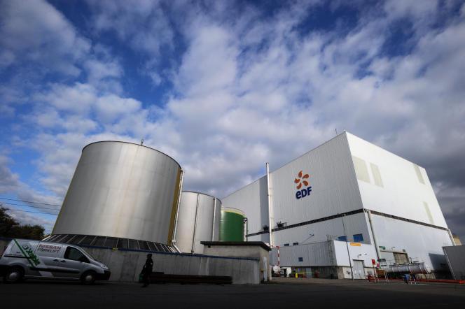 La centrale de fesssenheim, en novembre 2013. Les deux réacteurs alsaciens ne seront pas arrêtés avant fin 2018, date prévue par EDF pour le raccordement au réseau de l'EPR de Flamanville (Manche).