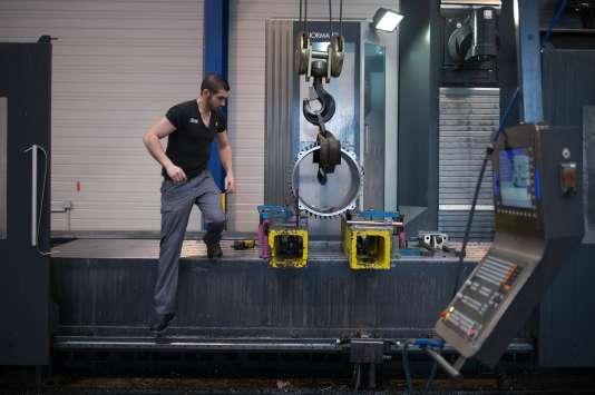 Dans une usine de la région nantaise, le 16 janvier.La question du bien-être sur les lieux de travail, les phénomènes de bore-out et de burn-out font partie du champ d'investigation des futurs ergonomes.