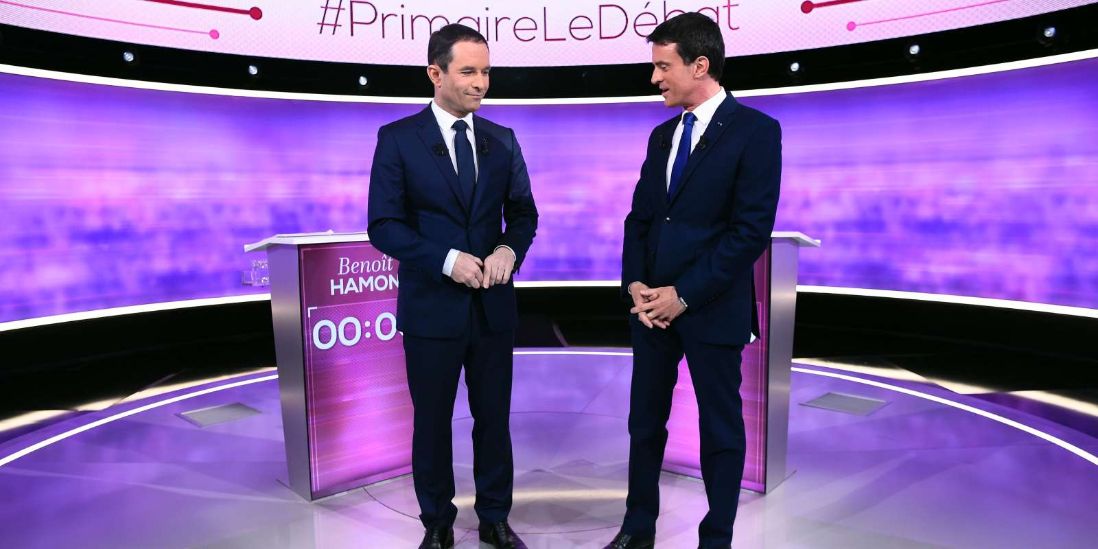 Les deux finalistes de la primaire à gauche,Benoît Hamon et Manuel Valls, se retrouvent pour une ultime confrontation, mercredi soir, dans une campagne qui s'est considérablement tendue dans l'entre-deux-tours.