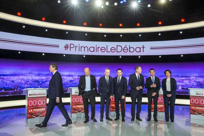 Les candidats à la primaire à gauche lors de leur premier débat télévisé, le 12 janvier.