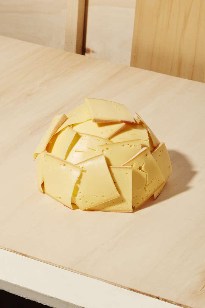 Raclette, nom d'un fromage et d'un plat.