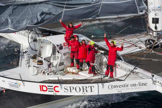 Francis Joyon et son équipage, le 12 octobre.