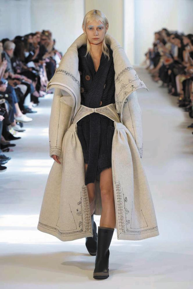 La collection Artisanal de Maison Margiela propose depuis toujours des vêtements transformés ( le défilé automne-hiver 2016).