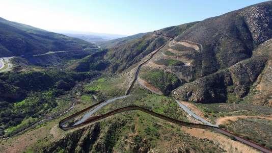 Photoghaphie prise par un drone de surveillance à la frontière américano-mexicaine, non loin de Tijuana, le 26 janvier 2017.