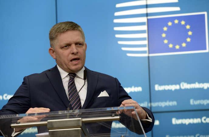 Le premier ministre slovaque, Robert Fico, lors d'un Conseil européen le 15 décembre 2016 à Bruxelles. Il estl'un des symboles des ambiguïtés de la gauche d'Europe centrale.