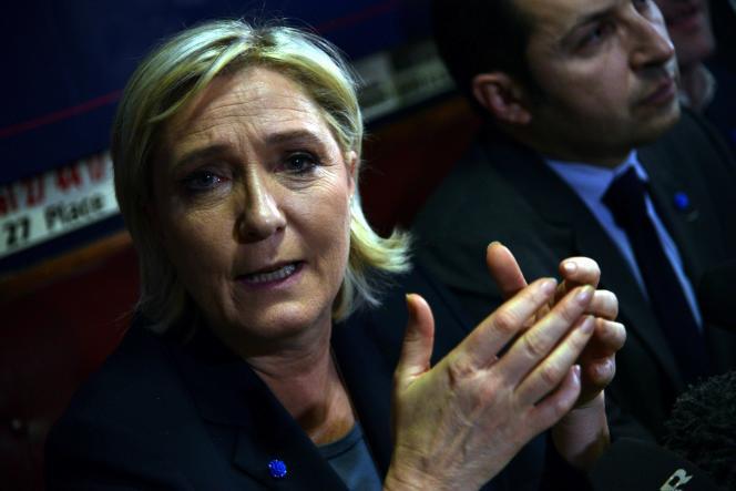Marine Le Pen s'est indignée que le recouvrement lui soit demandé « sans que la justice ait eu à se prononcer », sur cette affaire, qui fait l'objet depuis la mi-décembre d'une information judiciaire et qui touche d'autres eurodéputés FN.