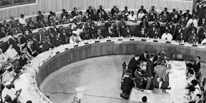 A Addis-Abeba, en Ethiopie, lors des travaux de la première conférence des chefs d'Etat africains, le 25 mai 1963.