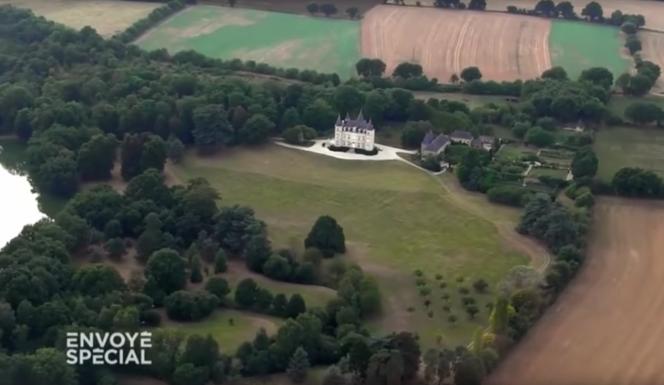 La propriété d'Emmanuel Besnier survolée par l'équipe de l'émission Envoyé Spécial, diffusée le 13 octobre sur France 2.