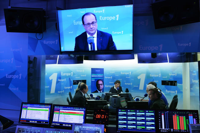 Francois Hollande lors d'une interview sur Europe 1, le 17 mai 2016.