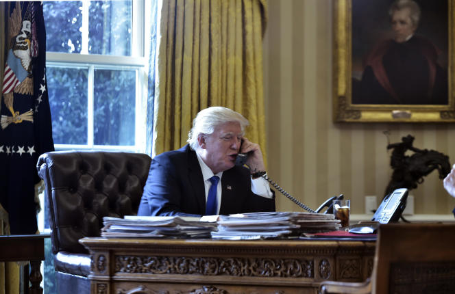 Samedi 28 janvier, le président américain Donald Trump s'est entretenu pour la première fois, depuis la Maison Blanche, avec plusieurs dirigeants dont Vladimir Poutine, François Hollande et Angela Merkel.
