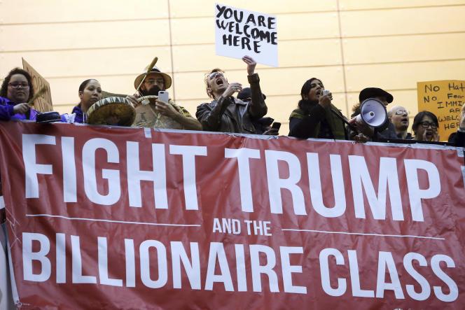 Manifestation à Seattle, le 28 janvier 2017 contre le décret sur l'immigation de Donald Trump. (Genna Martin/seattlepi.com via AP)