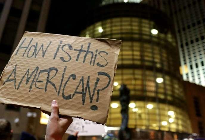 Une pancarte « Est-ce américain?» à Brooklyn, le 28 janvier.