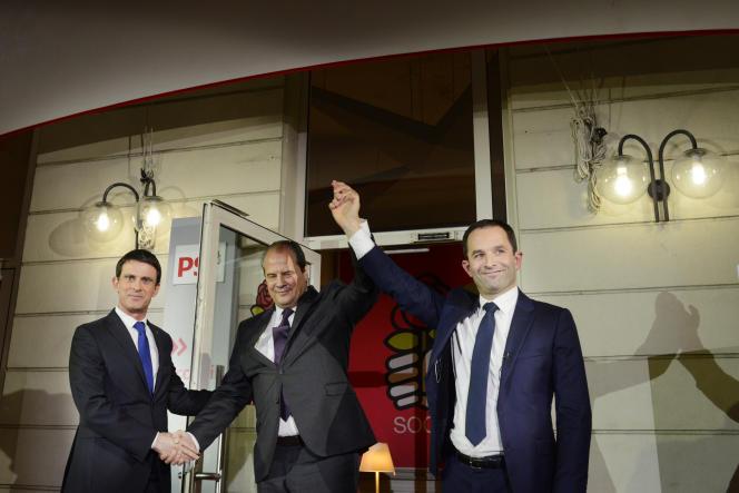 Manuel Valls, Jean-Christophe Cambadélis et Benoît Hamon, dimanche soir, au siège du Parti socialiste.