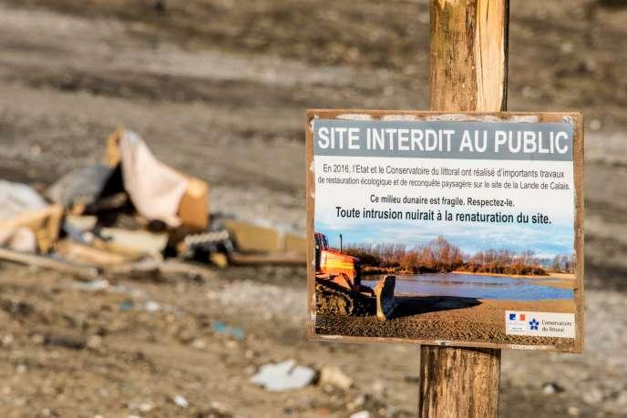 Le 18 janvier, à l'entrée de l'ancien camp de Calais.