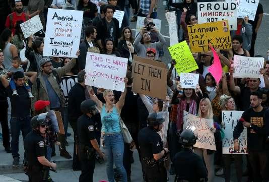 Manifestation à Los Angeles contre le décret anti-immigration de Donald Trump, dimanche 29 janvier.