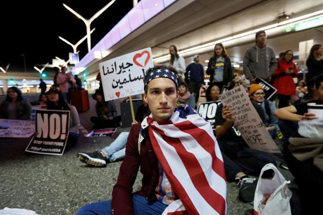 Manifestation contre le MuslimBan à l'aéroport de Los Angeles le 29 janvier.