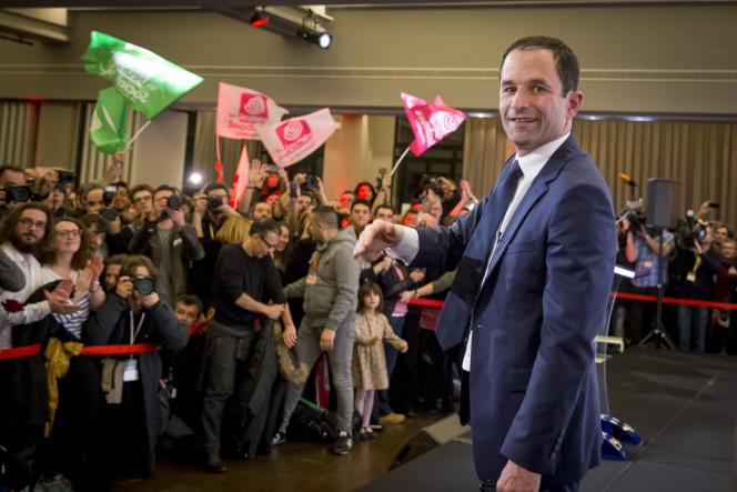 Benoît Hamon, candidat à la primaire de la gauche pour la présidentielle 2017, prononce son discours à la Mutualité à Paris, dimanche 29 janvier 2017.