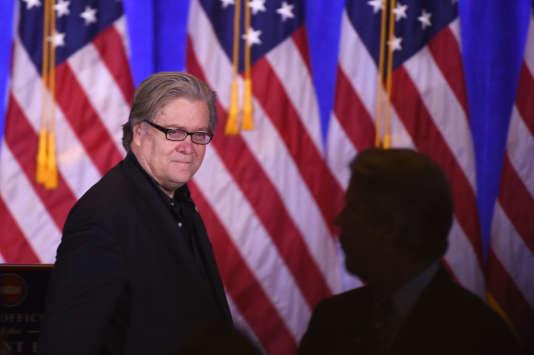 Le conseiller Stephen Bannon lors d'une conférence de presse de Donald Trump, le 11 janvier 2017 à New York.