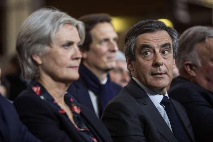 François Fillon et sa femme au meeting de La Villette samedi 28 janvier.