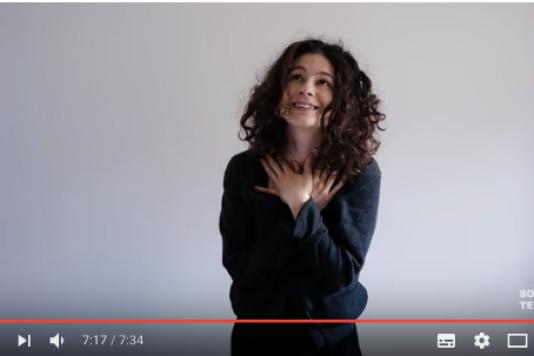 Ina Mihalache alias «Solange te Parle» (capture d'écran YouTube).