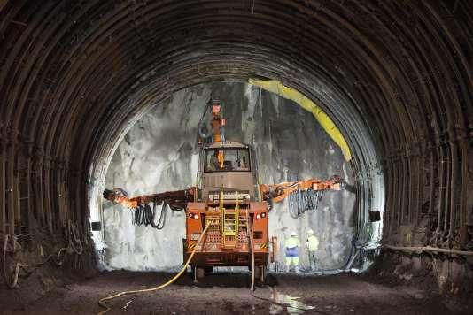 Sur le chantier du futur tunnel Lyon-Turin, à Saint-Martin-de-la-Porte (Savoie), le 6 mai 2015.