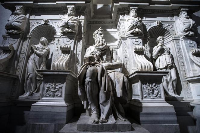 Détail du cénotaphe du pape Jules II.