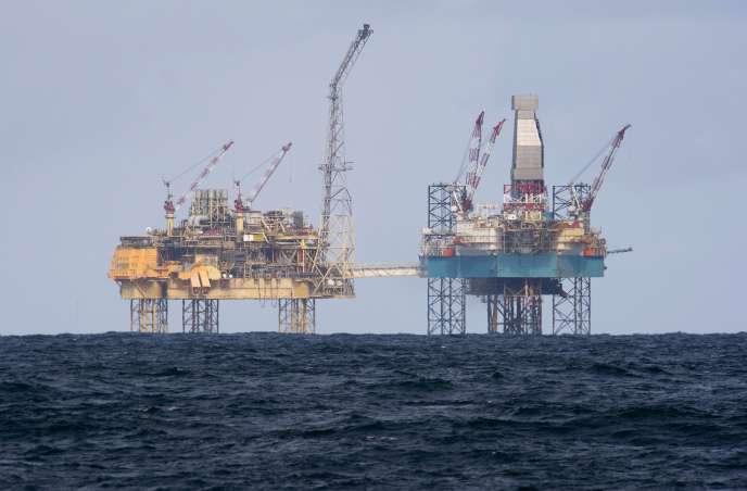 Une plate-forme pétrolière Shell en mer du Nord, en 2012.