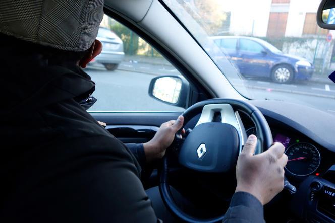 Un chauffeur VTC dans le Val-de-Marne.