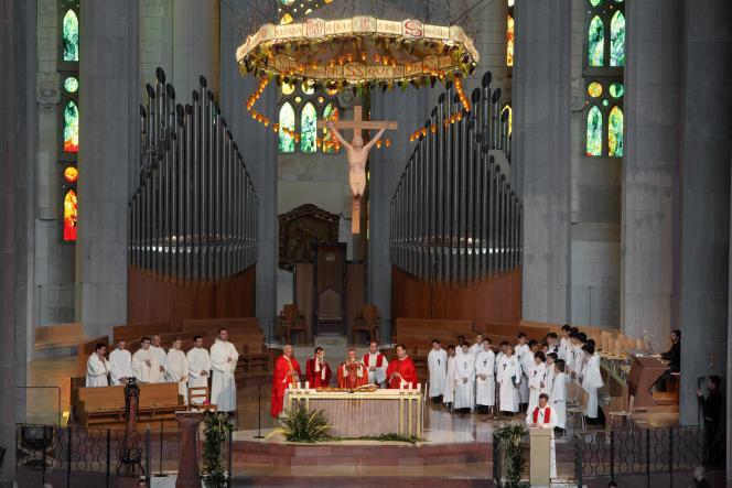 Une messe à Barcelone.