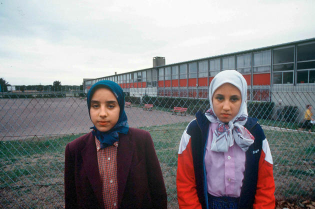 Fatima et Leïla Achahboun,alors interdites d'entrer au collège.