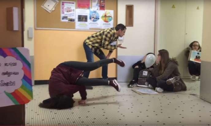 Extrait Youtube du «mannequin challenge»du lycée Maurois d'Elbeuf - Seine Maritime