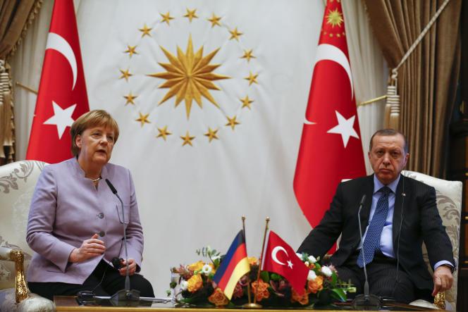 La chancelière allemande, Angela Merkel, et le président turc, Recep Tayyip Erdogan, au palais présidentiel turc, à Ankara, le 2 février 2017.