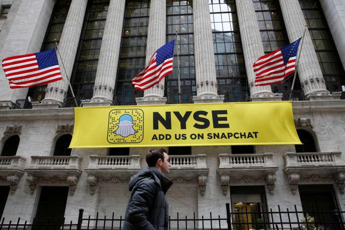 L'annonce de l'entrèe en bourse de Snapchat sur la facade de la bourse de New York le 23 janvier.