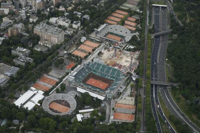 Vue aérienne du stade Roland-Garros, à Paris, en juillet 2016.