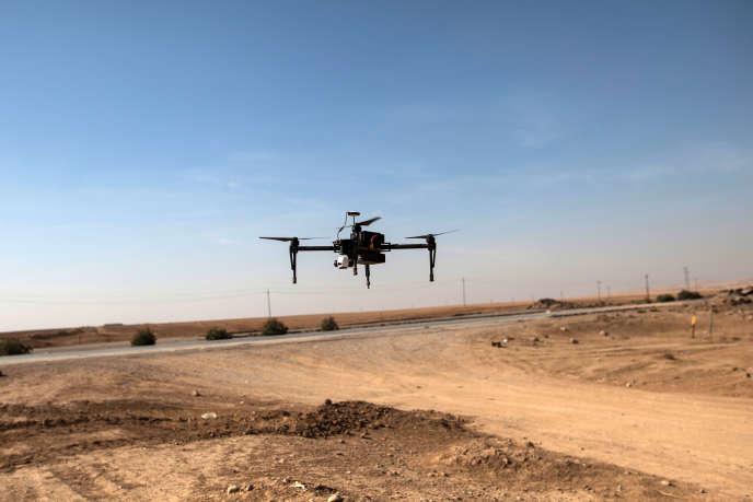 Un drone de l'armée irakienne au sud de Mossoul.