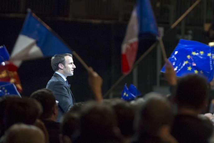 Emmanuel Macron, candidat à la présidentielle 2017 participe à un meeting de campagne à Lille, samedi 14janvier.