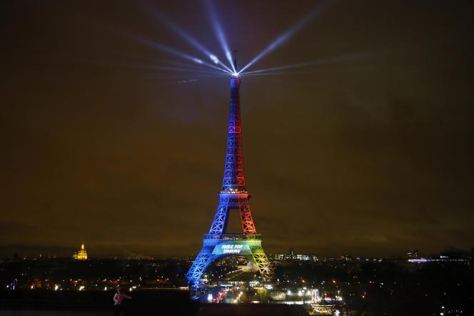 La tour Eiffel lors du lancement de la campagne pour les JO 2024 à Paris, le 3 février.