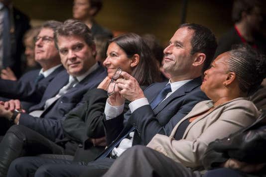 Vincent Peillon, Arnaud Montebourg, Anne Hidalgo et Christiane Taubiraà la Convention nationale d'investiture de Benoit Hamon, candidat à la présidentielle 2017, à la Mutualité, à Paris, dimanche 5 février.