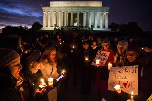 Une nouvelle commémoration devant le Lincoln Memorial à Washington, pour protester contre le décret anti-immigration.