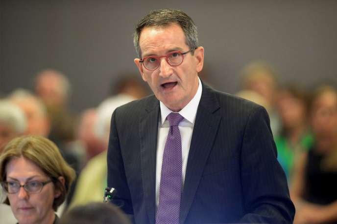 Francis Sullivan, directeur duConseil de la vérité, de la justice et de la cicatrisation, mis en place par l'Eglise catholique australienne, a qualifié les faits de pédophilie révélés par ce rapport de « tragiques» et d'«indéfendables».