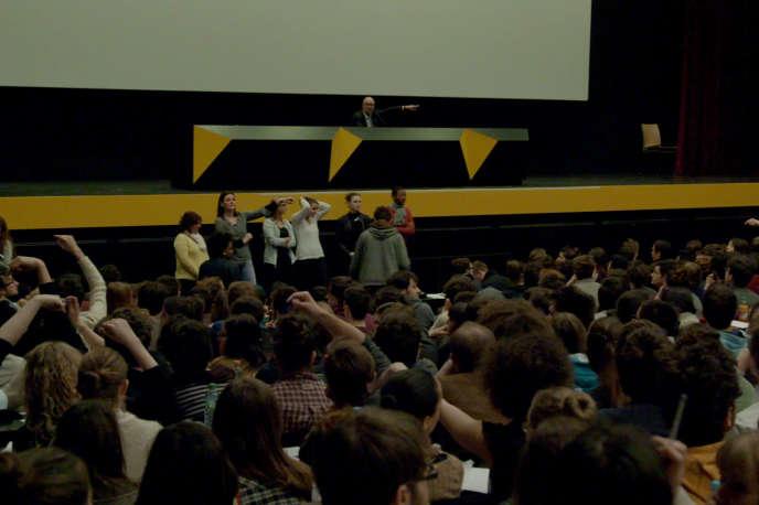 « Le Concours », documentaire français de Claire Simon.
