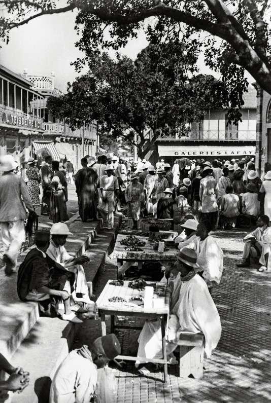 Le marché de la place Kermel, vers 1935.