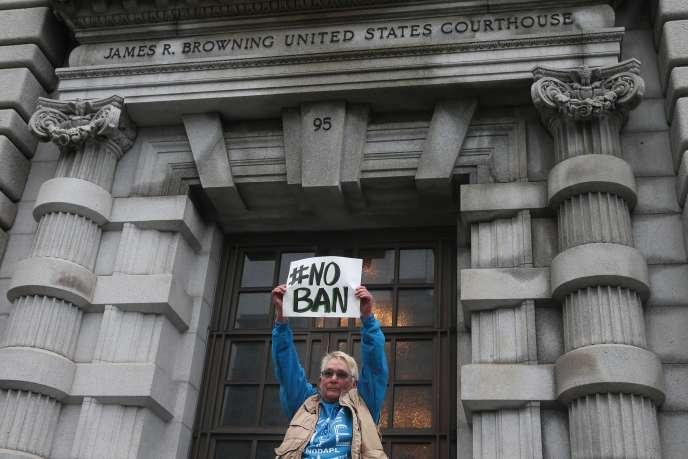 Devant la cour d'appel de San Francisco en Californie, le 7février.