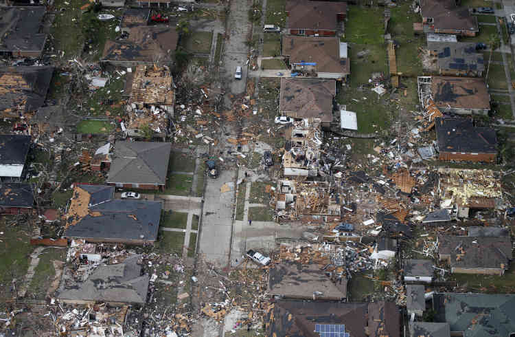 Après le passage de l'impressionnante tornade, près de 50000habitants de Louisiane sont privés d'électricité, dont 10000 à La Nouvelle-Orléans.