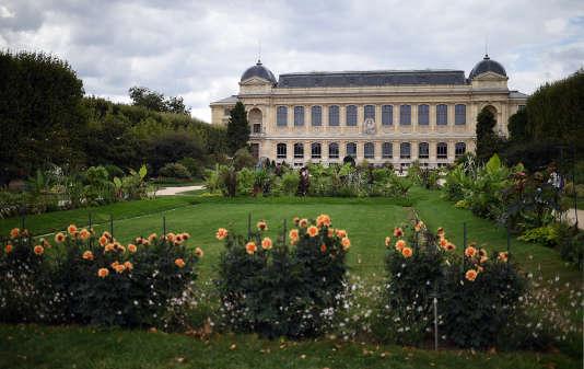 La grande galerie de l'évolution au Jardin des Plantes à Paris.
